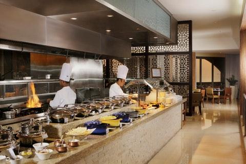 Horizon Restaurant - Amwaj Rotana Hotel & Resort