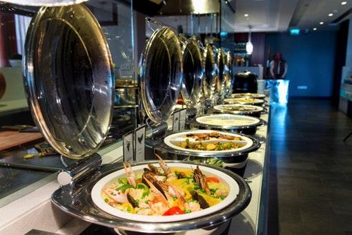 C Taste Restaurant - Centro Al Manhal Rotana